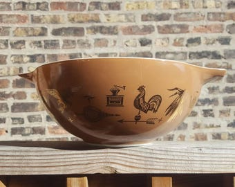 Vintage 444 Pyrex Early American Cinderella Bowl