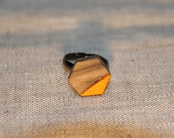 Woman ring wood and leather