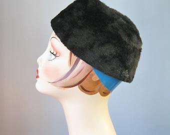 Black Fur Pill Box / Vtg 59s / Gimbels Made in Italy Seal ? Fur Pill Box Hat