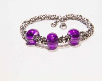 Byzantine Chainmaille Bracelet with Eropean glass beads/ladies bracelet/chainmail bracelet/spinner bracelet/3 beads