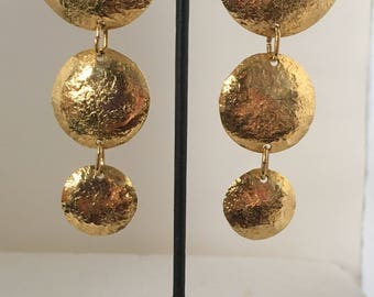 Gold plated brass hammered three circle stud earrings
