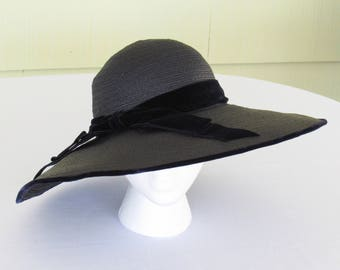 1950's vintage navy blue straw hat with velvet band