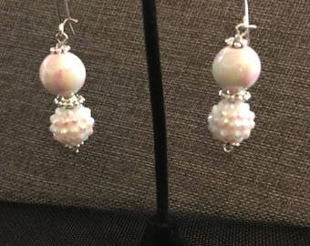 White pearl/sparkly earring set - Item #E119