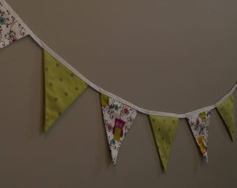 Decorative bunting/banners/flags for nursery/kids room, can be customized with child's name
