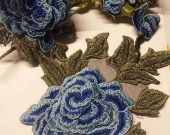 Has pretty lace stitch or glue