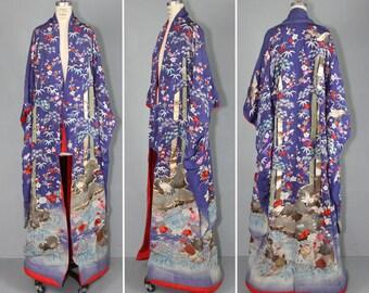 antique kimono / meiji / silk robe / uchikake furisode / ANCIENT MYTHOLOGY kimono
