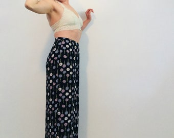 High Waisted Sheath Cut Floral Maxi Skirt with Side Slit M / L