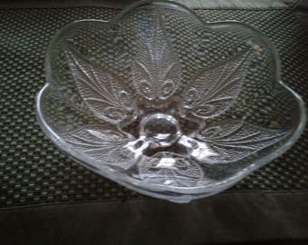 Vintage glass bowl - textured leaf pattern
