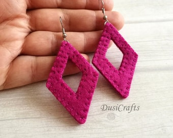 Magenta geometric dangle earrings, Bold earrings, Lightweight earrings, Large Minimalist diamond shaped Earrings Everyday summer earrings