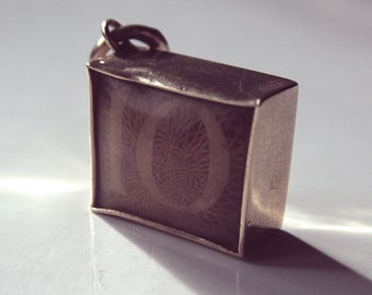 9ct Vintage Ten Pound Money Charm with Free Postage
