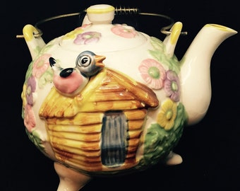Vintage Teapot with Bird and Dog