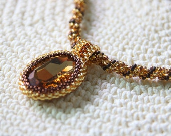 Crystal Series - Basic Bead Bezel Pendant with Spiral Rope Necklace in Gold