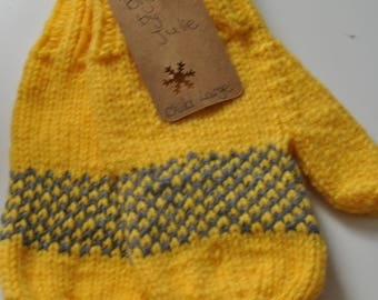 Ready made : yellow and gray mittens (child large)