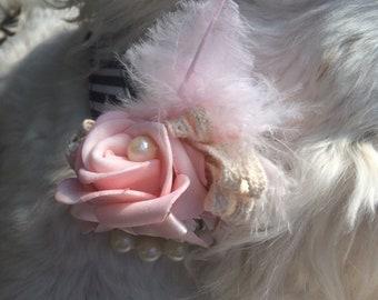Pretty Pinks couture collar clip