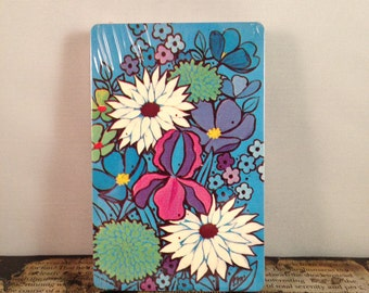 Groovy Vintage Blooming Flowers Playing Cards