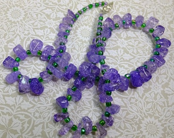 Lavender Purple Chips and Green Glass Beads Necklace 21 inch Length