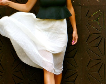 Vintage Cream Sheer Pleated Skirt