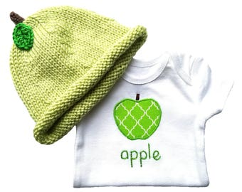 Green Apple Baby Shower Gift, HAND EMBROIDERED Baby Bodysuit + Hand Knit Hat, Newborn Hat, Baby Hat, New Baby Gift Sets, Baby Girl FVH001AG