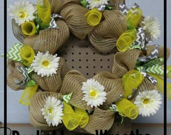 Spring daisy wreath