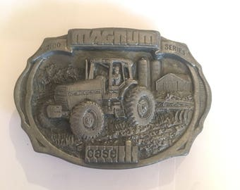 Vintage Collectible Limited edition 1987 case belt buckle case tractor 7100 series Magnum