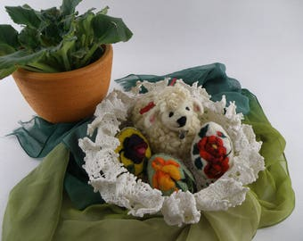 A decorative Easter set, Easter neadle felted eggs, Needle felted sheep