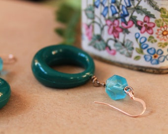 Emerald // Retro hoop earrings, boho, vintage beads, upcycled materials, rose gold, unique, dangle earrings