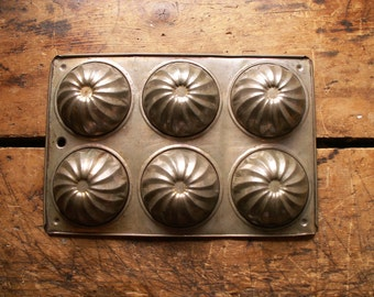 Vintage Muffin or Small Bundt Pan Baking Tin