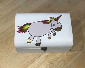 Glitter unicorn chest