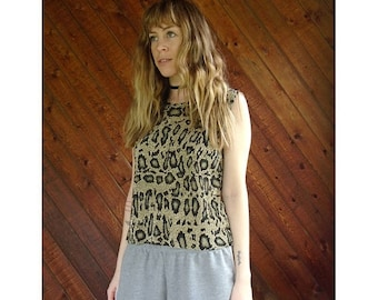 EXTRA 20% OFF SALE.... Snake Print Accordion Tank Blouse - Vintage 90s - S/M