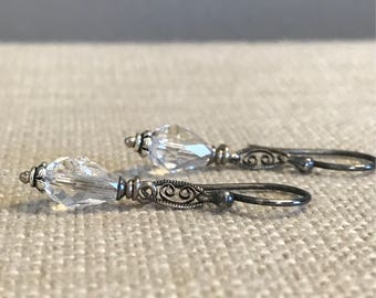 Crystal and Filigree Earring - Silver