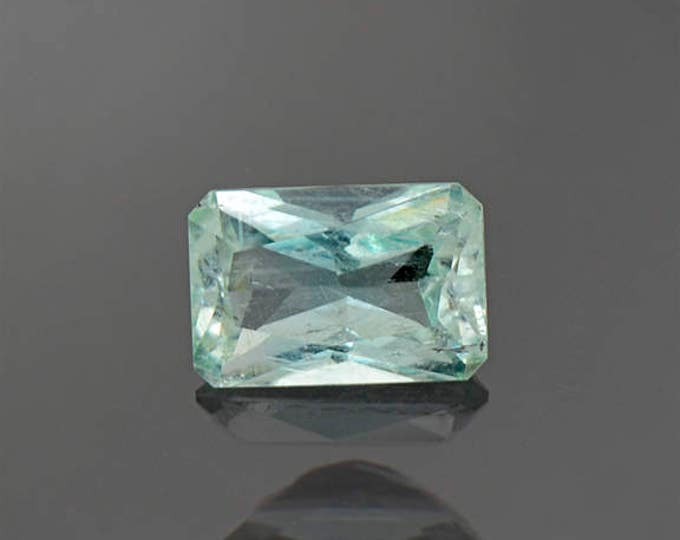 Beautiful Mint Green Emerald Gemstone from Colombia 0.97 cts.