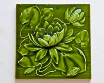 ANITQUE ART N0UVEAU  Victorian tile by A M Ltd England