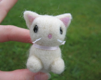 Needle Felted Kitty Cat Sophie the White Kitty