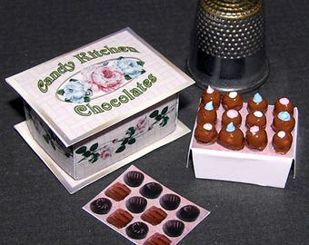 Box of chocolates, Paperminis, Bastelkit of paper in miniature for the Dollhouse, the doll house, Dollhouse Miniatures # 40016