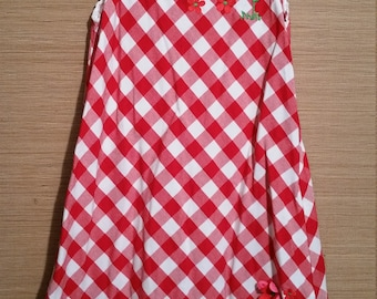 Free Shipping - Little girl red and white check dress with decoritive daisies.  size 5T