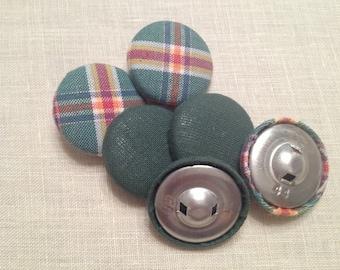 Set di 6 bottoni rivestiti in stoffa scozzese e verde tinta unita
