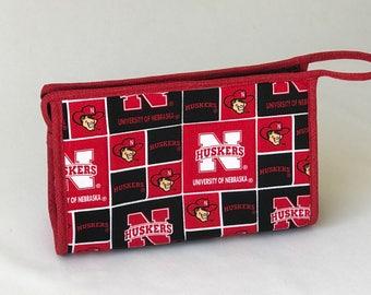 Univ. of Nebraska zippered bag / cosmetics bag / cosmetics pouch / cosmetics case / organizer bag / craft supply bag / zippered cosmetic bag