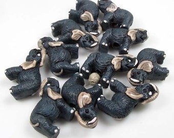 10 Tiny Elephant Beads - CB63