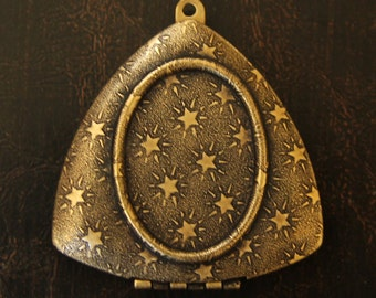 Triangle Brass Locket - Stars Texture Design - Antique Gold Finish - Perfect for DIY Photo and Art Jewelry