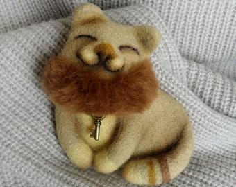 OOAK Brooch felt Cute Brooch Cat wool jewelry Needle felted Wool brooch beige shorthair Kitten Cats brooches jewellery Creative Felt animals