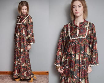 Vintage 1970's I Ethnic I Folk I Long Maxi Dress I Wide Sleeves I Pockets I S/M