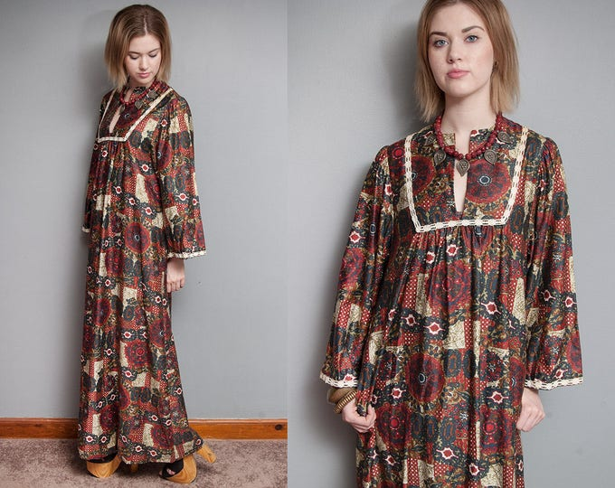 Featured listing image: Vintage 1970's I Ethnic I Folk I Long Maxi Dress I Wide Sleeves I Pockets I S/M