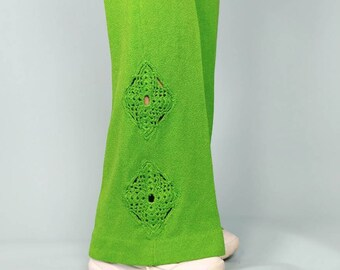 Vintage 70s bellbottoms green stretchy knit bellbottoms with emroidered designs