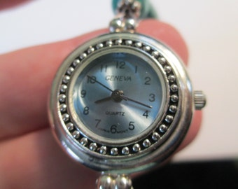 Vintage lady's Geneva silver tone stone beads links band with toggle closure   used watch