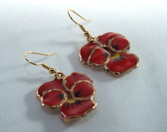 Red earrings Red dangle earrings Red flower earrings Pansy earrings Red flower dangle earring Flower dangle earrings Gold earring for her