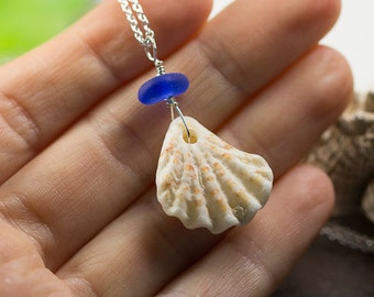 Sterling Silver Sea Glass and shell Pendant - Gift for her - Sea glass jewelry - Beach Jewelry - Pendant with blue sea glass - Gift for her