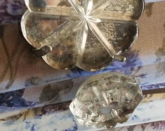 Vintage Buttons - lot of 2 mirror glass assorted flower novelty small and medium size 1 with metal back clover/shamrock stamp (mar 283 18)