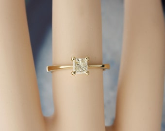 Genuine Diamond Princess Cut Engagement Ring made in solid 18 karat yellow gold, best value solitaire one of a kind Vintage