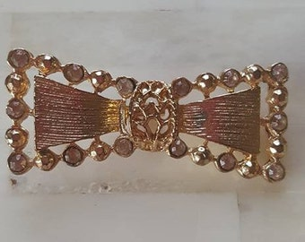 Pin / Brooch / Gold Tone Bow Tie
