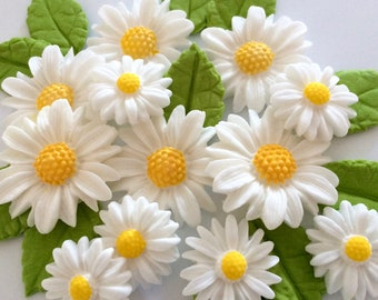 WHITE DAISIES edible sugar paste flowers cake decorations cupcake toppers